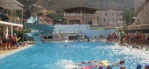 Samandağ Belediyesi'nden ücretsiz yüzme kursu