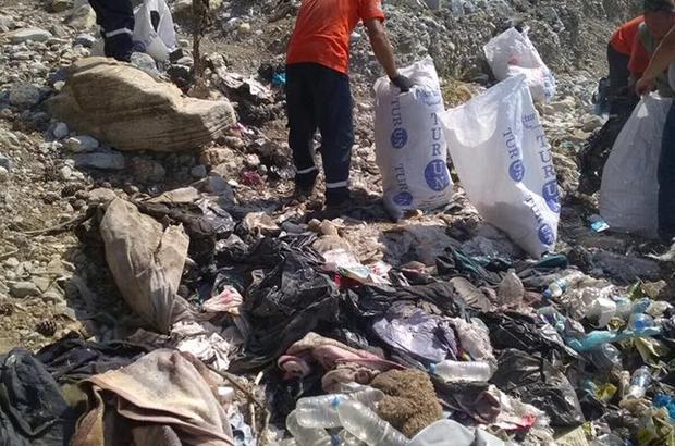 Aydın'da umut yolcularından geriye kalan çöpler temizlendi