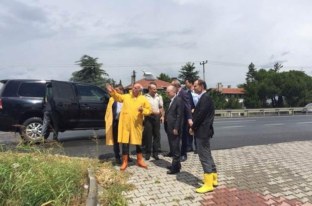Vali Ceylan sağanak yağıştan zarar gören yerlerde incelemelerde bulundu