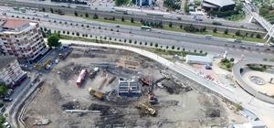 Kent meydanı ve katlı otopark için istinat duvarı yapılıyor