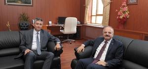 Vali Çakacak, İdare Mahkemesi Başkanı Özdemir'e iade-i ziyarette bulundu