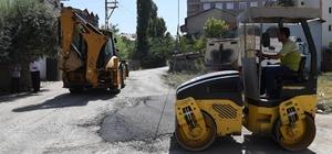 Muş'ta geçici asfalt çalışmaları devam ediyor