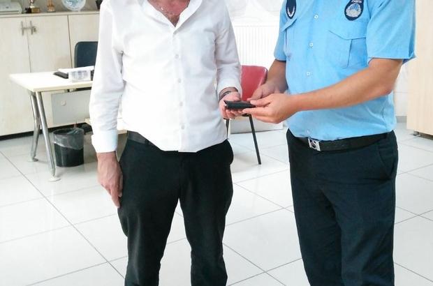 Kayıp cüzdan sahibine teslim edildi