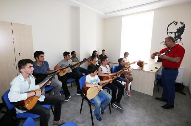 Yenimahalle'de Gençlik Merkezine yoğun ilgi