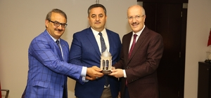 Balıkesir Altıeylül Belediye Başkanı Büyükşehir Belediyesini ziyaret etti