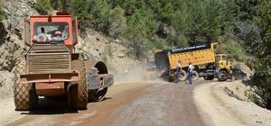 Büyükşehir Taşatan yolunu asfaltlıyor