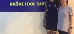 Burhaniyeli genç kız Fenerbahçeye transfer oldu