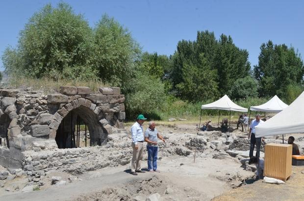 Selçuklu döneminin ilk saraylarından Kayseri Şeker'deki Keykubadiye Saray kazısı 4. yılında