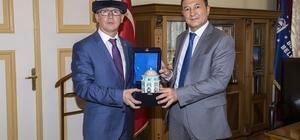 Kırgız başkonsolostan Büyükşehir'e ziyaret