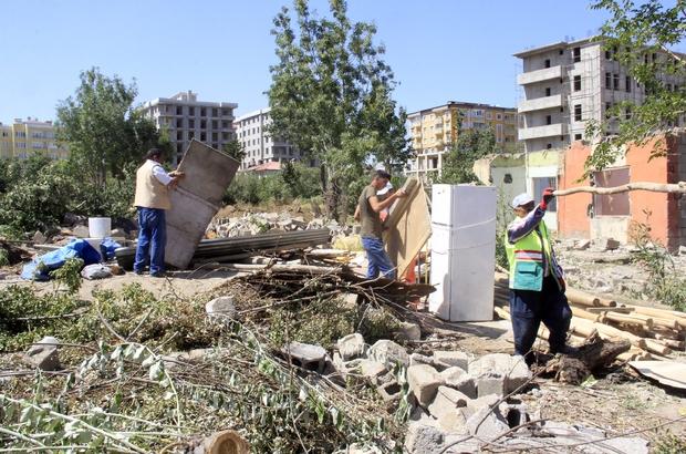 Akköprü'deki gecekondular yıkıldı