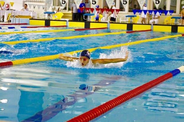 Eskişehirli yüzücü 14 yaş 50 metre serbest stil yüzme kategorisinde Türkiye rekoru kırdı