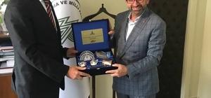 Başkan Üzülmez, Nurettin Taş'ı ziyaret etti