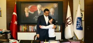 Down sendromlu sporculardan Başkan Ak'a teşekkür ziyareti