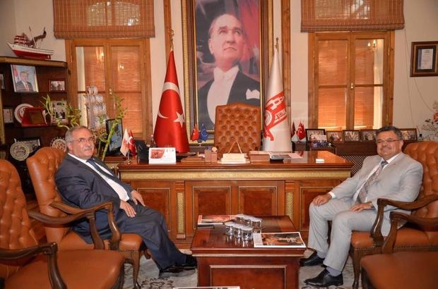 Kütahya Valisi Nayir ve Başkan Yağcı bir araya geldi