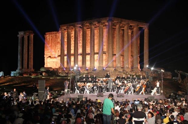 Çavdarhisar Aizanoi Antik Kenti'nde 'Senfonik Türküler' konseri