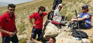 Dağda rahatsızlanan dağcıya ekipler müdahale etti