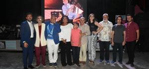 Beşiktaş'ta 'İzzet Öz'e saygı gecesi