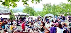 Toroslar'ın tepesinde doğayla iç içe müzik festivali