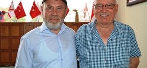Ayvalık'ta Müftü Tosun'dan gazilere nazik ziyaret
