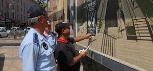 Büyükşehir zabıta ekipleri el ilanlarını topladı
