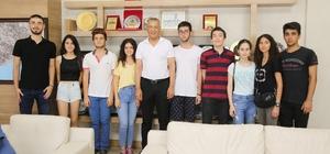 İstanbullu liseli gençler, Mezitli Belediyesi'nin sosyal projelerinde yer aldı