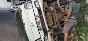 Milas'ta kontrolden çıkan kamyonet takla attı; 3 yaralı