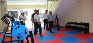 Başkan Tollu, yakında açılacak spor salonunu inceledi