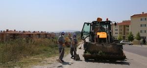 Adapazarı Belediyesi tarafından mahalleler temizleniyor