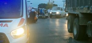 Sakarya'da motosiklet ile otomobil çarpıştı: 2 yaralı