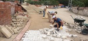 Burhaniye'de bozulan yollar onarılıyor