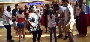 Kadına şiddete dans ile dikkat çektiler