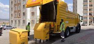 Bozüyük'te çöp konteynerleri yıkanarak temizleniyor