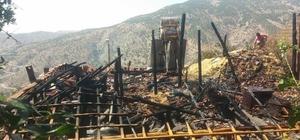 İkamette çıkan yangın evi kullanılamaz hale getirdi