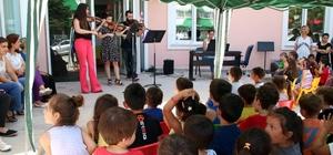 Güle oynaya müzik eğitimi