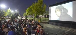 Tuzla Belediyesi açık hava sinema günleri başladı