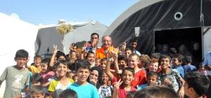 Suriyeli çocuklardan yeni müdüre yoğun ilgi