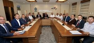 Çaturoğlu belediye başkanlarıyla Kurtulmuş'u ziyaret etti