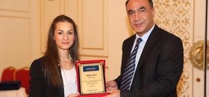 Marka Belediyeler Dergisi'nden Başiskele'ye ödül
