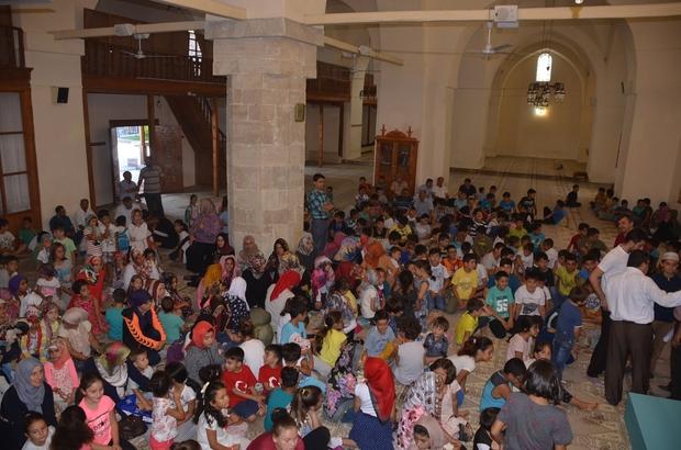 Çocuklar camide buluştu