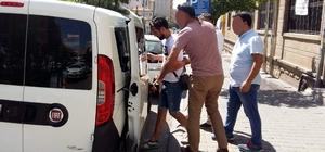 Bilmeden giydiği 'hero' tişörtü nedeniyle gözaltına alınan şahıs serbest bırakıldı