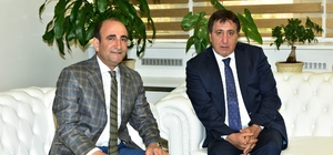 Başkan Edebali Vali Küçük'e kentsel dönüşümü anlattı