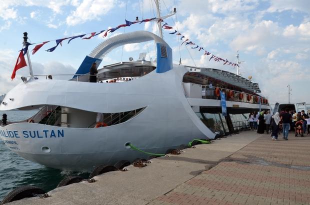 15 Temmuz şehitleri yakınları ve gaziler Valide Sultan Gemisi ile boğaz turu yaptı