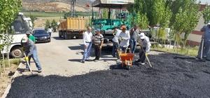 Başkan Özdemir asfalt çalışmasını inceledi