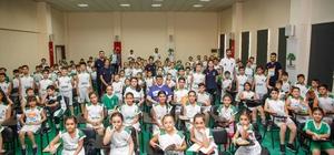 Genç sporcular Adab-ı Muaşeret eğitimine katıldı