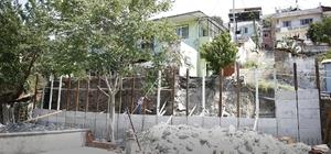 Konak'ta tehlike arz eden yapılar onarılıyor