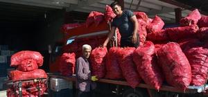 Adana'da sezonun ilk salçalık biber satışlarına başlandı