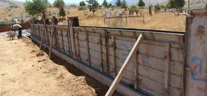 Mezarlık Duvar Yapım Çalışmaları Devam Ediyor