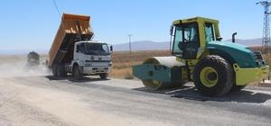 Develi köylerinde yol çalışmaları sürüyor