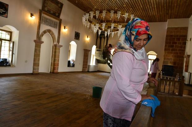 Dulkadiroğlu'ndan camilere özel hizmet