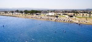İzmir Körfezinde ilk mavi bayrak törenle göndere çekildi